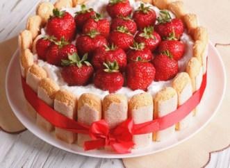 charlotte-russe-cake
